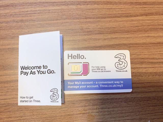 Three社のSIMカード